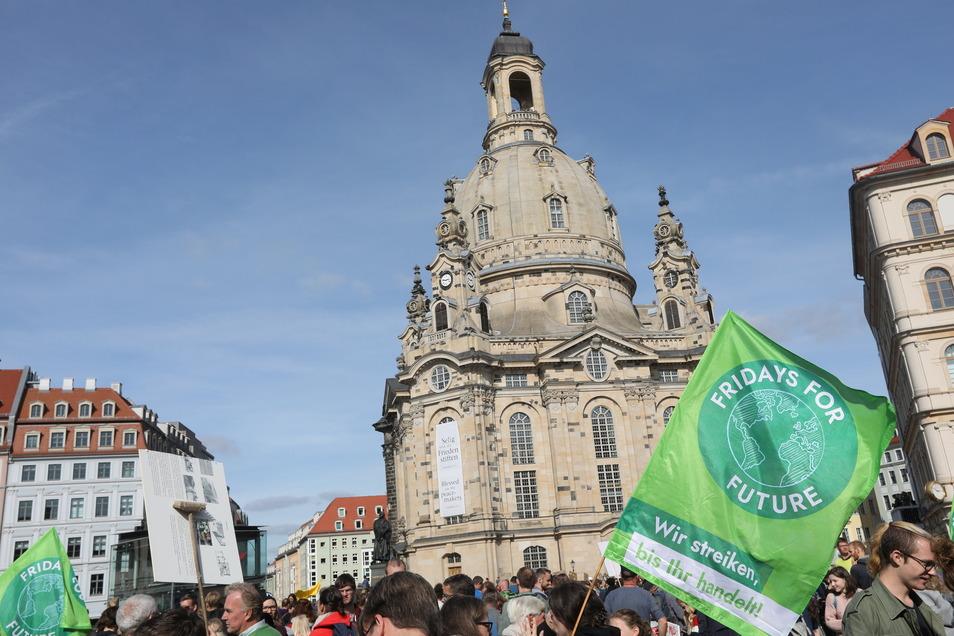 Seit zwei Jahren geht Fridays for Future in Dresden auf die Straße. Nun will die Stadt vor 2050 klimaneutral sein.