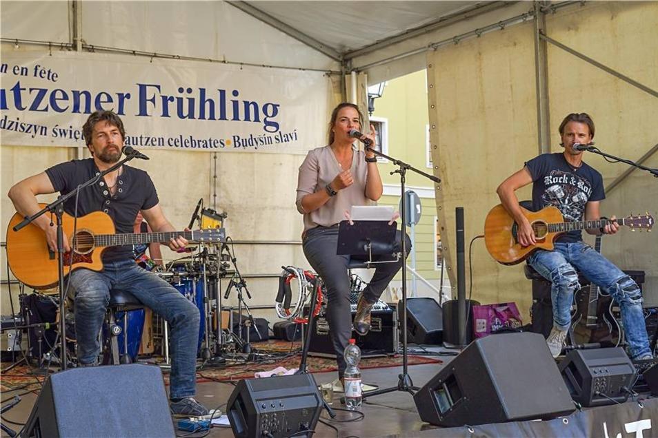 Akustik Rock-Trio aus Hoyerswerda auf dem Fleischmarkt.