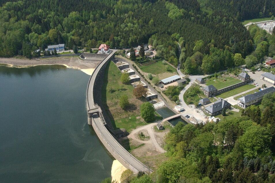 Als Trinkwassertalsperre ist die Talsperre Klingenberg für alle Badeaktivitäten verboten.
