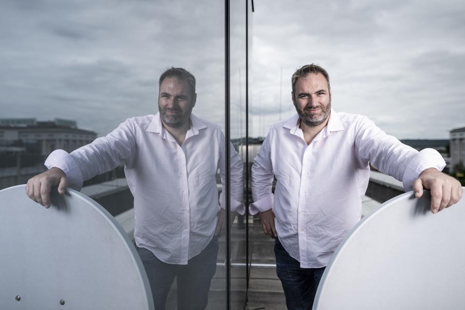 René Münnich hat das Unternehmen All-incl.com im Jahr 2000 gegründet und beschäftigt mittlerweile mehr als 100 Mitarbeiter. Vor zwei Jahren ist der Internetdienstleister als Hauptsponsor bei Dynamo eingestiegen.