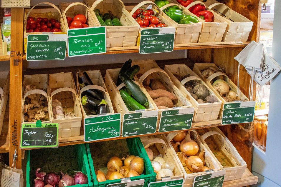 Frisches Obst bezieht Maja Horlacher für ihren Hofladen unter anderem von der Biogärtnerei Auenhof in Niederlützschera.