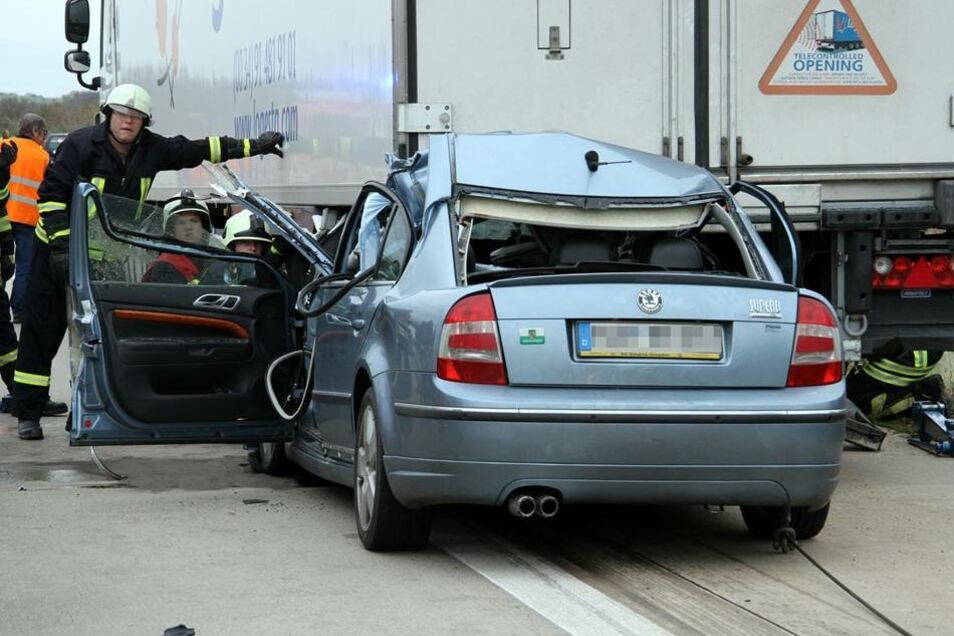 Am Sonntagnachmittag hat es auf der Autobahn 4 einen schweren Unfall gegeben.