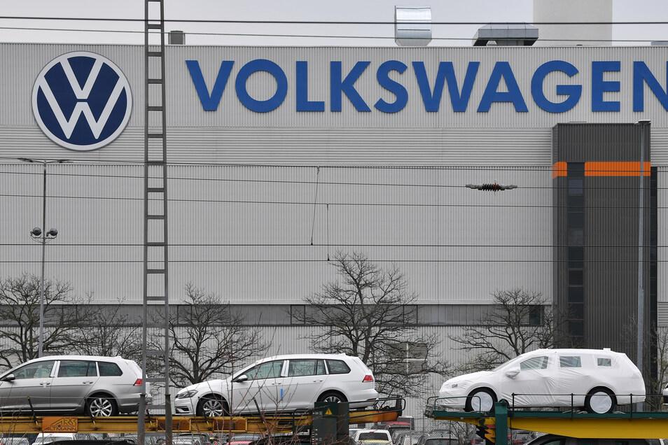 Im Volkswagenwerk in Zwickau läuft die Produktion noch im April wieder an.