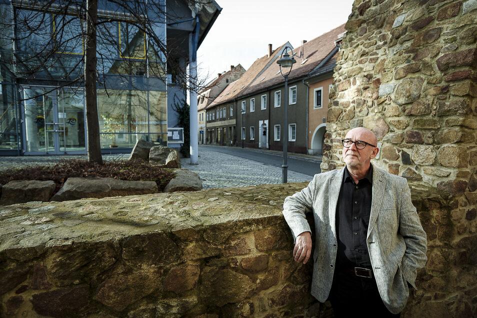 Auf den Erweiterungsbau des Reichenbacher Rathauses (Hintergrund) war Böer immer stolz.