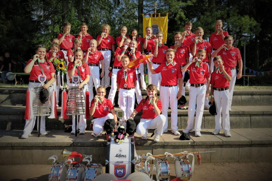 Auch nach 95 Jahren ist für die Zukunft gesorgt: Die Junioren des Spielmannszuges gewannen 2019 in Lommatzsch die Sachsenmeisterschaft.