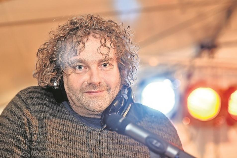 Die ewige Leidenschaft von Torsten Pötzsch: DJ sein - hier beim Friedensfest in Ostritz.