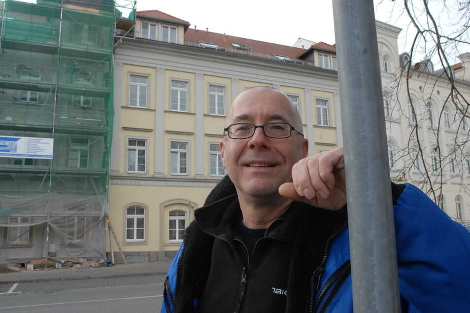 Wolfram Zylla gehört seit Jahren der Löbauer Bahnhof - und seit Jahren bekommt er dort Besuch von Randalierern.