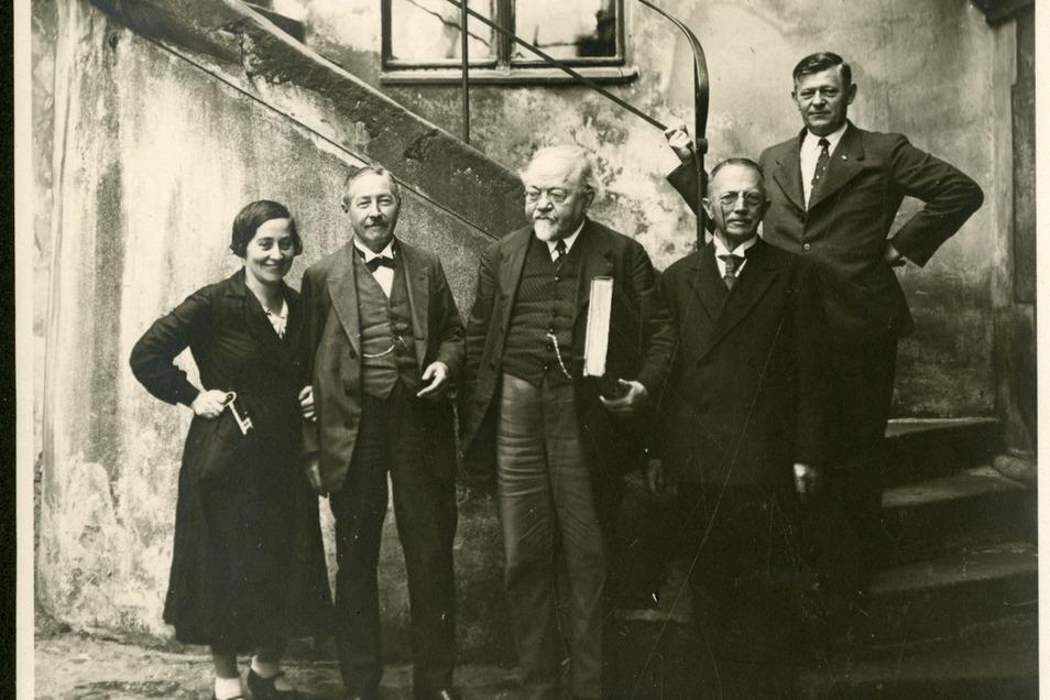 Der Görlitzer Ehrenbürger Richard Jecht (Bildmitte) mit Freunden und Verwandten
