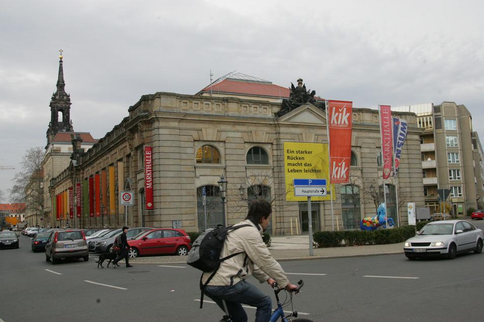 In der Neustädter Markthalle in Dresden muss ein Konsum wegen eines Coronafalles vorübergehend geschlossen bleiben.