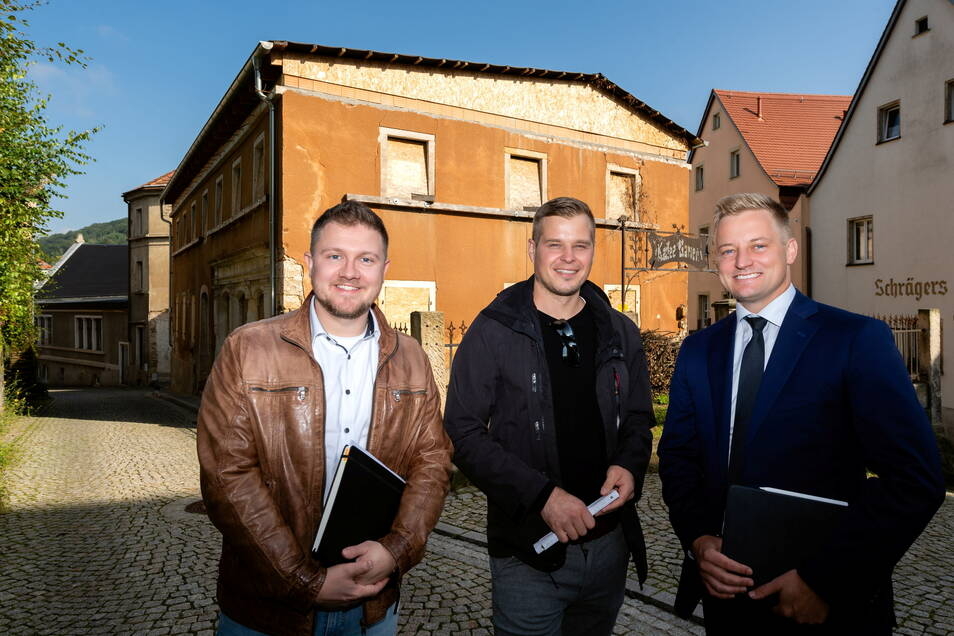 Wollen die Goethestraße 1 in Königstein retten: die beiden Architekten Richard Gunkel und Richard Mütze, sowie Steuerberater Martin Richter (v.l.).