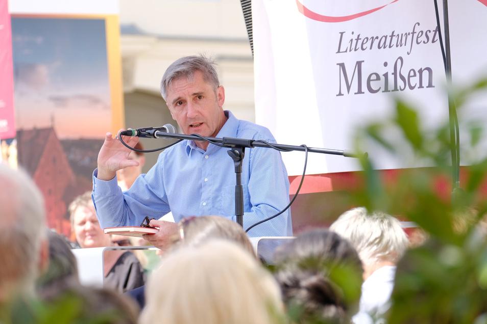 Statt unter freiem Himmel zu lesen, nehmen Autoren jetzt auf Anregung des Landtagsabgeordneten Frank Richter an einem Online-Lesefest teil. Um die Initiative hat sich eine Debatte entsponnen.