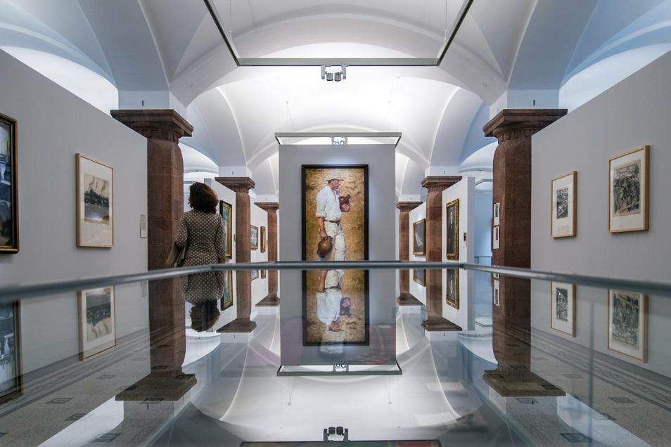 """Zum Jubiläum 100 Jahre Kunstsammlungen öffnet das Museum seine Schatztruhe und präsentiert unter dem Titel """"Im Morgenlicht der Republik"""" rund 400 Exponate aus der Sammlung."""