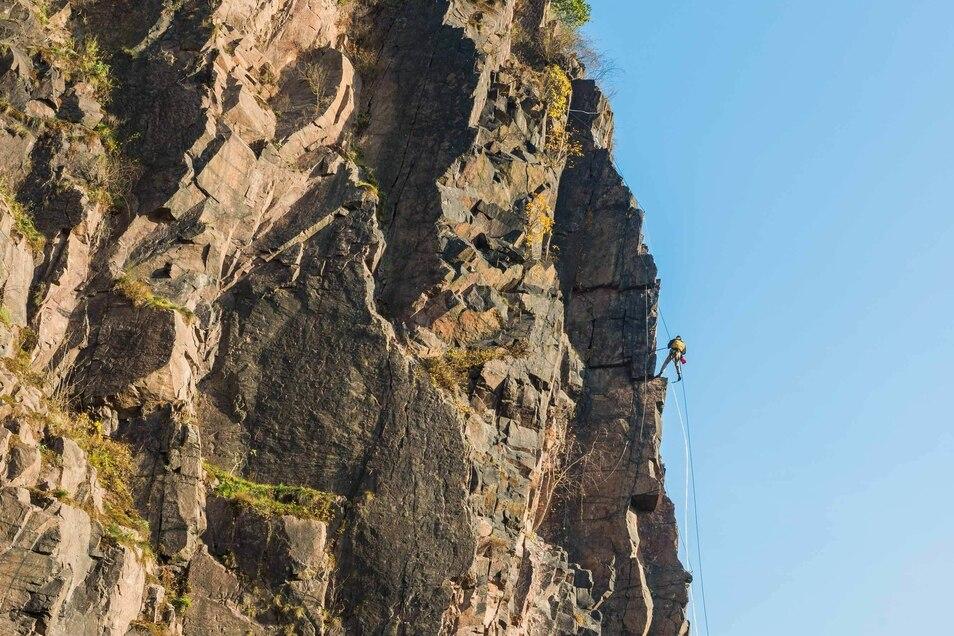 Am Felsen der Begerburg darf geklettert werden.