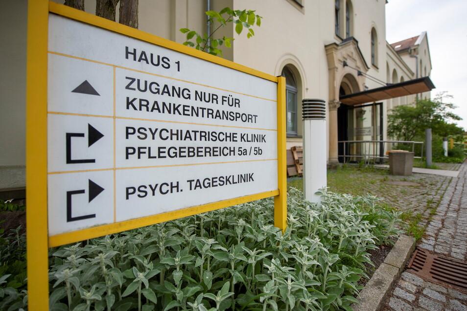 Ein Vorfall in der Psychiatrischen Klinik in Radebeul landete vor Gericht. Ein Patient hatte zwei Ärzte angegriffen und geschlagen.