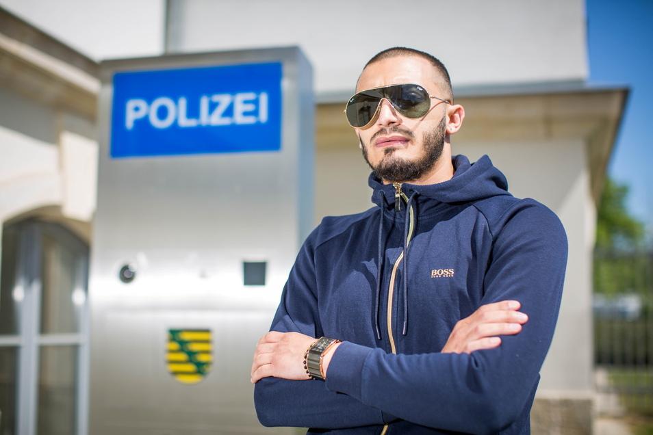 Boris Ivanov Vasilev aus Bulgarien tauchte am Montag bei der Dresdner Polizei auf und erklärte, was es mit dem goldenen Porsche auf sich hat.