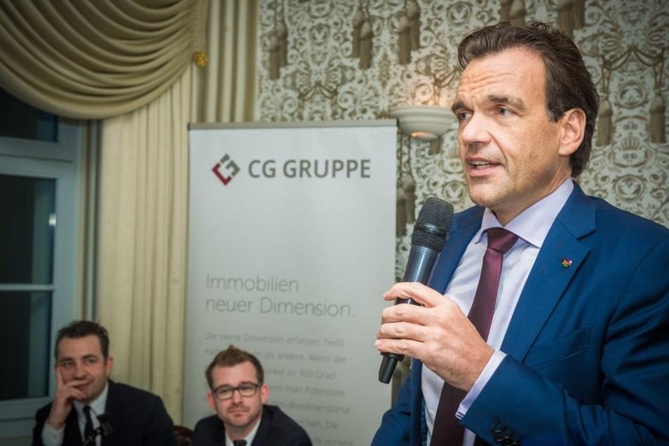 CG-Chef Christoph Gröner weiß, dass die Dresdner jedes Bauwerk am Neumarkt besonders aufmerksam verfolgen. Deshalb lädt er auch zur Bürgerversammlung ein, um die Wettbewerbsergebnisse vorzustellen. 240 Wohnungen, Läden in den Erdgeschossen sowie ein Hoste