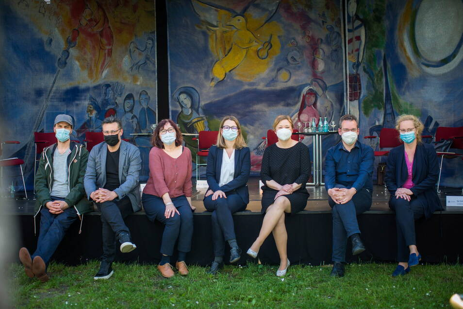 Sie machen den Dresdner Kultursommer: v.l. Stephan Tautz, Rodney Aust , Brit Magdon, Annekatrin Klepsch, Corinne Miseer, David Klein und Frauke Roth.