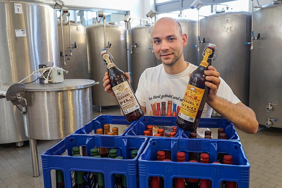 """""""Wir bringen die Region anders in die Flasche"""", sagt Tobias Frenzel aus Bautzen und verweis auf Honig-Senf und Pfefferkuchen-Bier. Auch deshalb macht er sich keine Sorgen um zu große Kunkurrenz.in der Region."""