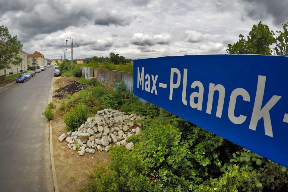 Die Max-Planck-Straße und ein Teil der Eichbergstraße werden nach der Erschließung des Wohngebietes Walduferviertel gemeinsam von der Stadt und den Versorgungsträgern in Ordnung gebracht.