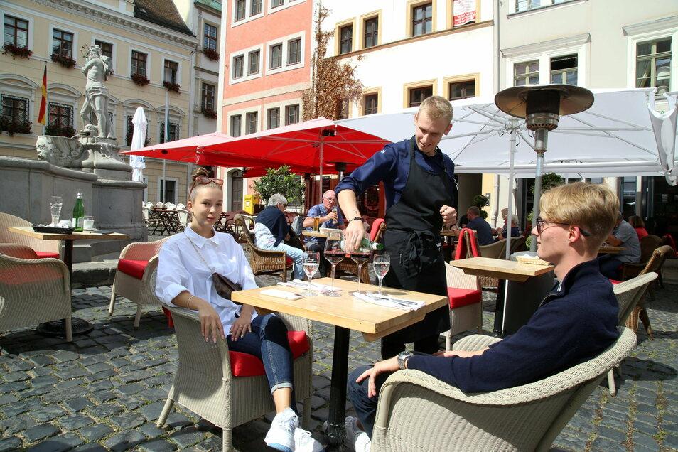 Das Abstandsgebot im Sommer sorgte für eine entspannte Atmosphäre auf dem Görlitzer Untermarkt. Die Gastwirte durften mehr Platz nutzen als sonst.