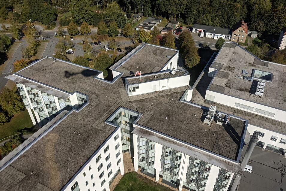 Landeanflug am Krankenhaus Sebnitz: Ein Intensivpatient muss dringend ins Dresdner Herzzentrum gebracht werden.