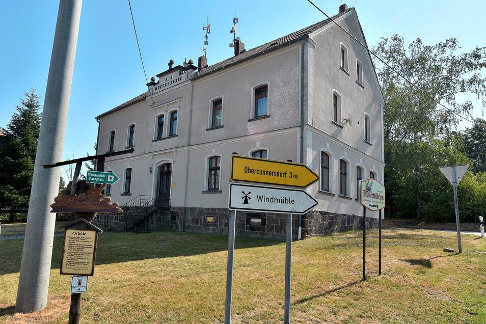 Die ehemalige Kottmarsdorfer Schule ist eines der Gebäude, die einen Eigentümer suchen.