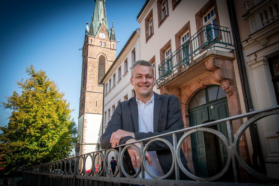 Der neue Superintendent des Kirchenbezirks Leisnig-Oschatz wird am Sonntag auch offiziell in sein Amt eingeführt. Dr. Sven Petry ist seit 1. September allerdings schon im Dienst.