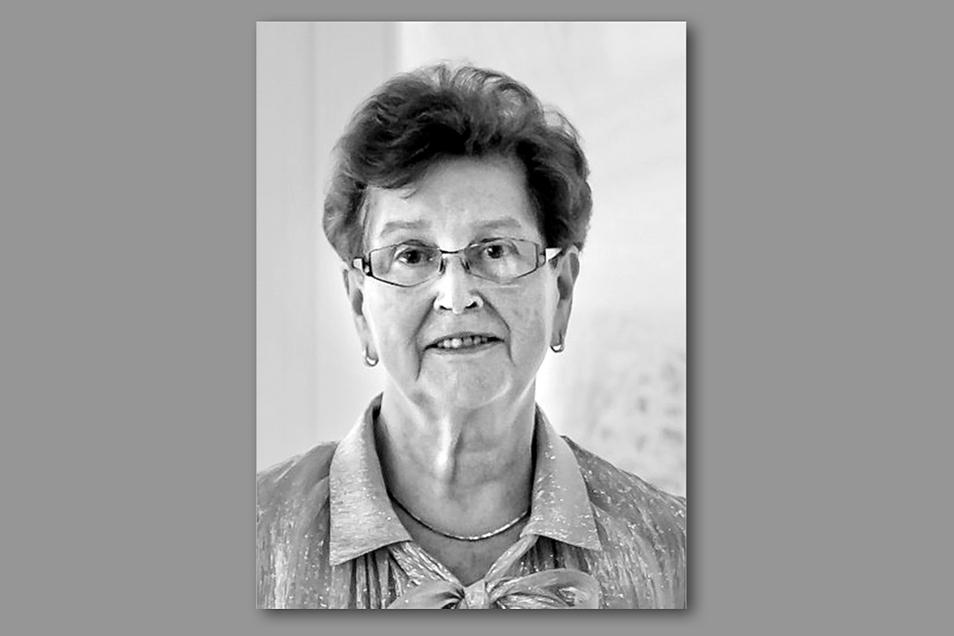 Die langjährige Elstraer Schulleiterin Ingrid Simmang ist Anfang März gestorben.