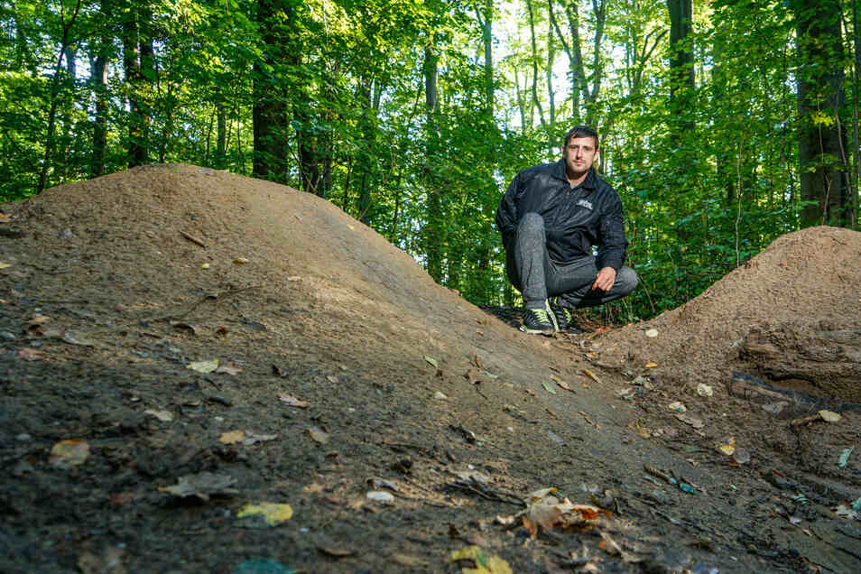 Lars Sarré ist im Mai im Bautzener Humboldthain über eine der illegal angelegten Rampen gefahren und dabei so schwer gestürzt, dass er sich mehrere Knochen gebrochen und zwei Wochen auf der Intensivstation verbracht hat.