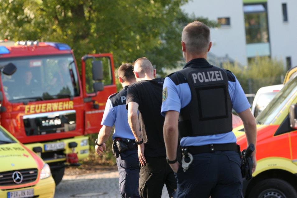 Ein Streit eskalierte am Montagnachmittag im Geibeltbad in Pirna. Es gab mehrere Verletzte.