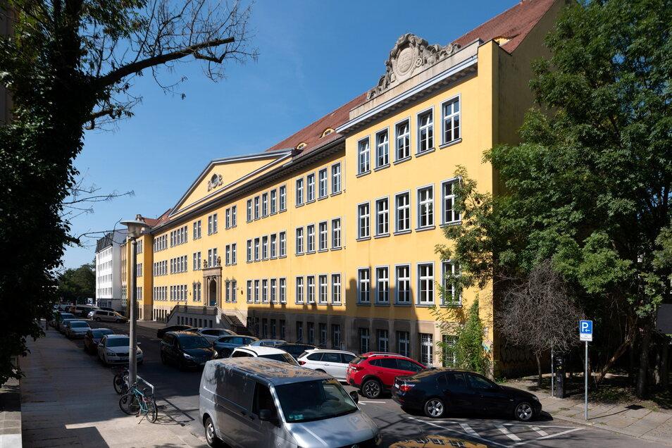 Jetzt wird der Altbau an der Melanchthonstraße saniert.