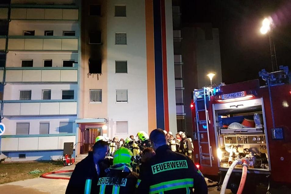 In einem Gröditzer Wohnblock an der Mozartallee hat es am Dienstagabend in einer Wohnung gebrannt.