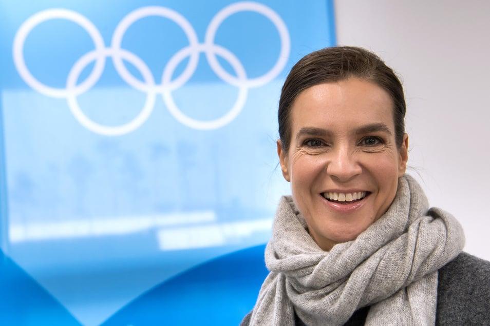Katarina Witt, hier bei einem Besuch der Ice Arena während der Olympischen Winterspiele in Südkorea, hat viele Jahre in Chemnitz trainiert und unterstützt die Stadt bei ihrer Bewerbung um den Titel der Europäischen Kulturhauptstadt.