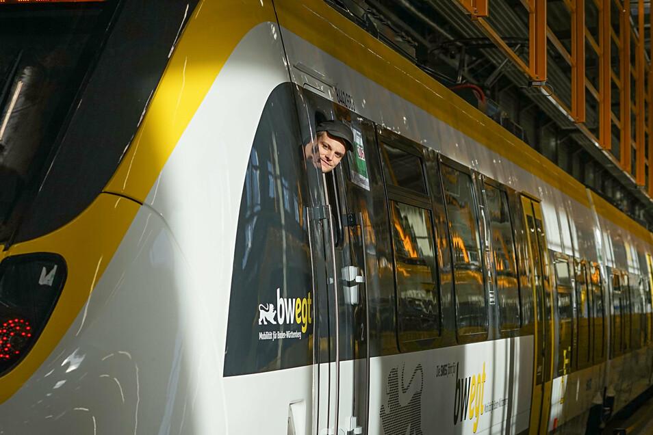 Im Bombardier-Werk Bautzen werden im neuen Testzentrum alle Fahrzeuge vor ihrer Auslieferung geprüft. Einen solchen Check durchläuft derzeit auch der Übernahmeplan Alstoms bei der EU.