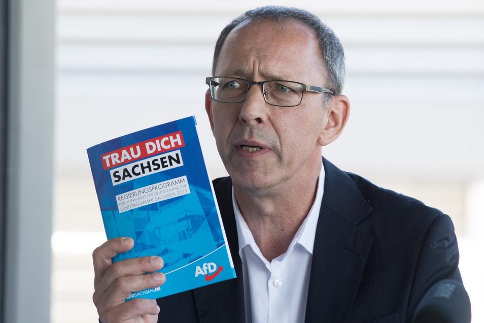 AfD-Kandidat Jörg Urban schafft es auf 16 Prozent Zufriedenheit.