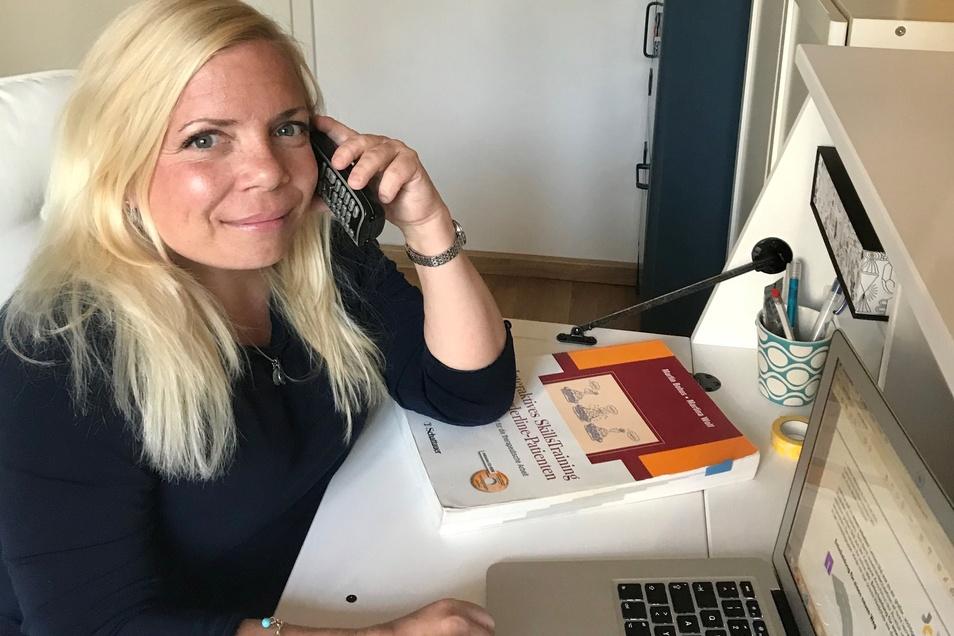 Nicole Fries-Lippert ist Psychotherapeutin am Städtischen Klinikum in Dresden. In der Psychiatrischen Institutsambulanz behandelt sie auch Patienten mit einer Borderline-Persönlichkeitsstörung.