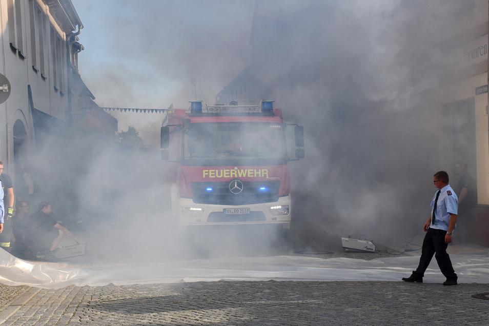 Anlässlich des Sommerfestes wird das neue Einsatzfahrzeug vom Typ HLF 10 offiziell an die Freiwillige Feuerwehr Rothenburg übergeben.