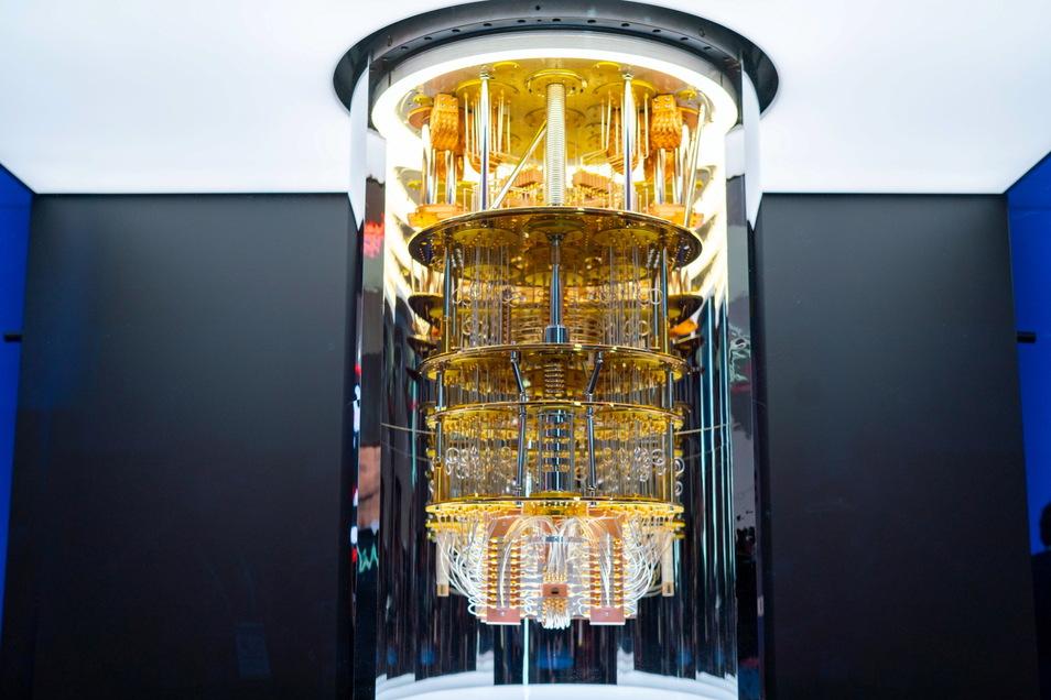 Ein IBM-Quantencomputer der Serie «Q System One» steht soll die deutsche Wirtschaft in die Zukunft führen.