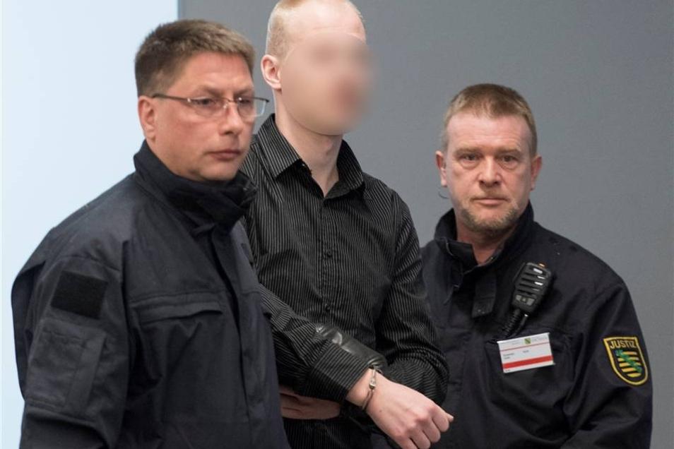 Patrick F., 25 Jahre alt, Lagerarbeiter, mutmaßlicher RädelsführerPaul Sander