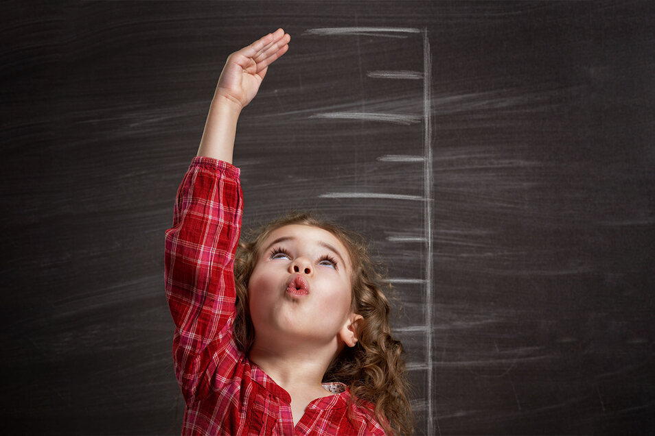 Schon sooo groß: Sieben- bis 14-jährige Kinder in Deutschland sind heute im Schnitt 15 Zentimeter größer als ihre Vorfahren Ende des 19. Jahrhunderts.