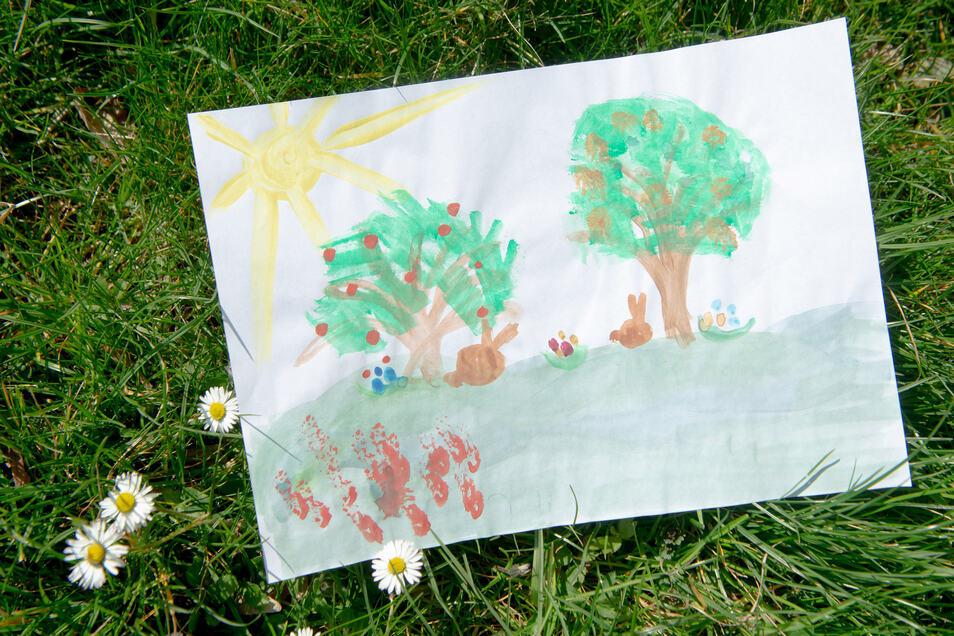 Liebevoll gemalte Bilder waren Teil der Osterpost.
