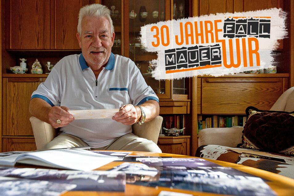 """Jörg Emmrich, heute 69 Jahre alt, gehörte zu den Demonstranten zur Wendezeit in Freital. """"Es ging nicht um die D-Mark oder die Wiedervereinigung. Es ging um eine bessere DDR und Reisefreiheit"""", sagt er beim Blick auf die Bilder von damals."""
