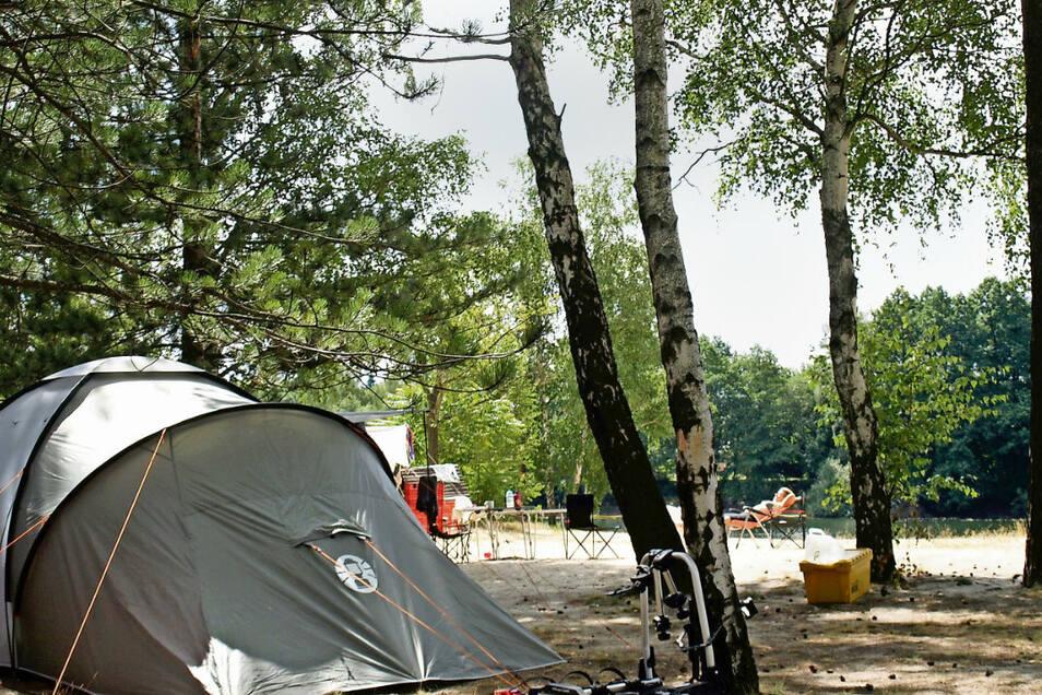 Der Campingplatz am Badesee in Kromlau bietet Campern sogar die Möglichkeit, direkt am Strand zu stehen. Das bleibt auch in Zukunft so, aber auf beschränkterem Raum.