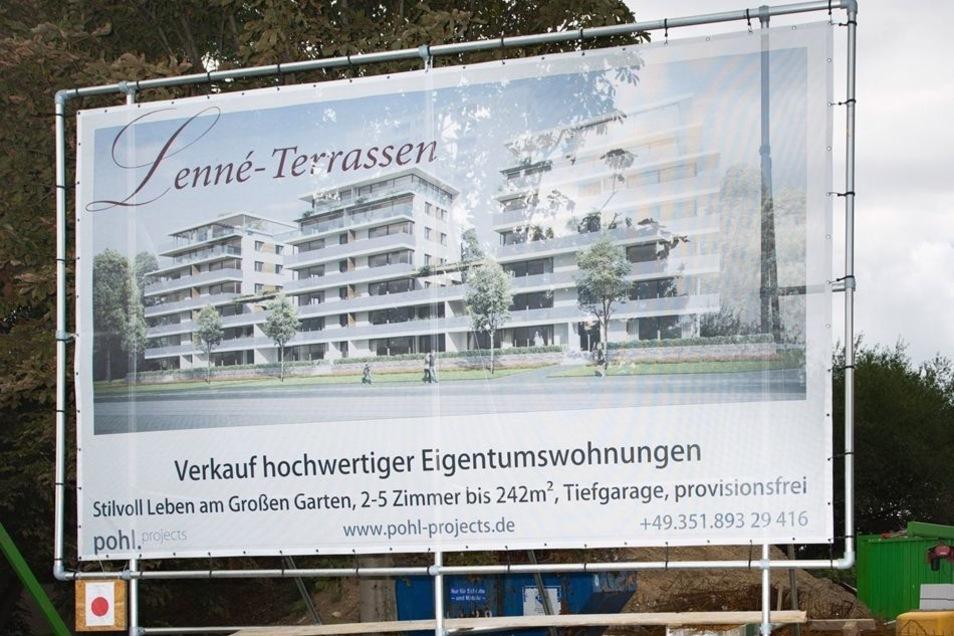 Drei zusammenhängende Wohnhäuser sind die Lenné-Terrassen nahe des Straßburger Platzes.