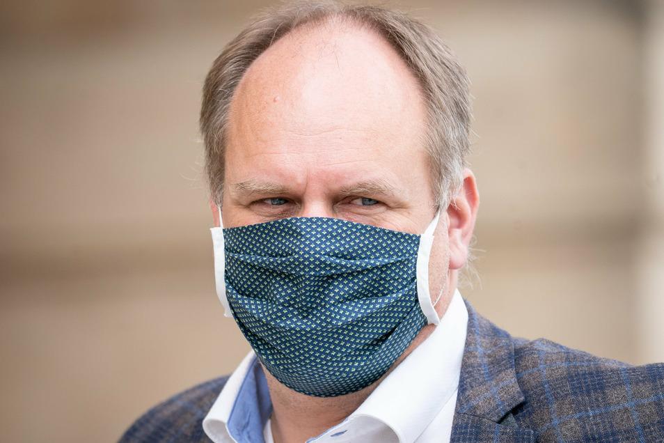 Dresdens Oberbürgermeister Dirk Hilbert ist positiv auf das Coronavirus getestet worden.