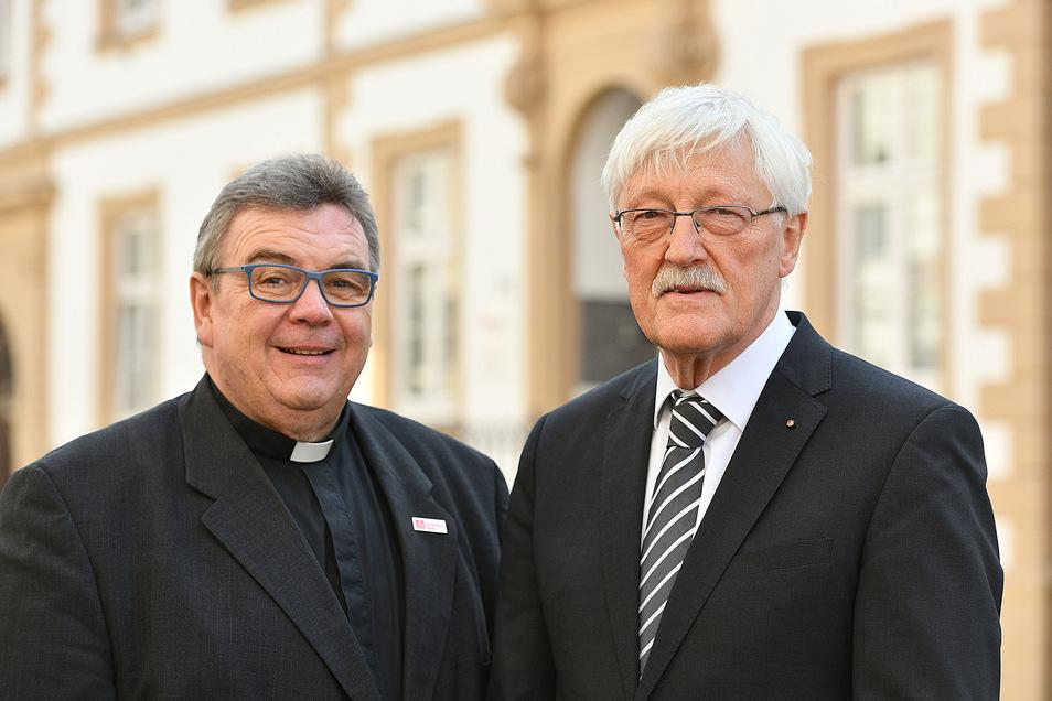 Der Generalsekretär des Bonifatiuswerkes Monsignore Georg Austen und Präsident Heinz Paus.