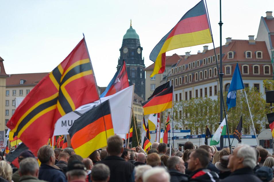 Beim Demonstrationszug von Pegida am 17. Februar in Dresden war auch ein Radebeuler CDU-Stadtrat mit von der Partie.