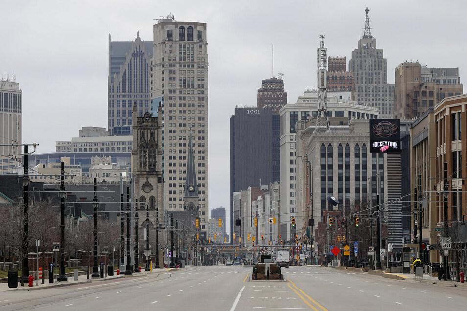 Blick auf die fast leere Woodward-Avenue in Detroit. Auch die USA leiden unter dem Coronavirus.