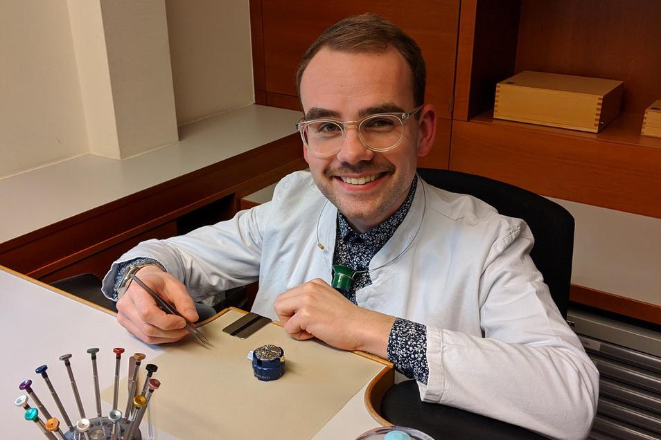 Alexander Springhorn, Mitarbeiter der Firma Wempe, ist der bester Uhrmacherlehrling im Handwerk im Jahr 2019. Jetzt arbeitet er in Berlin.