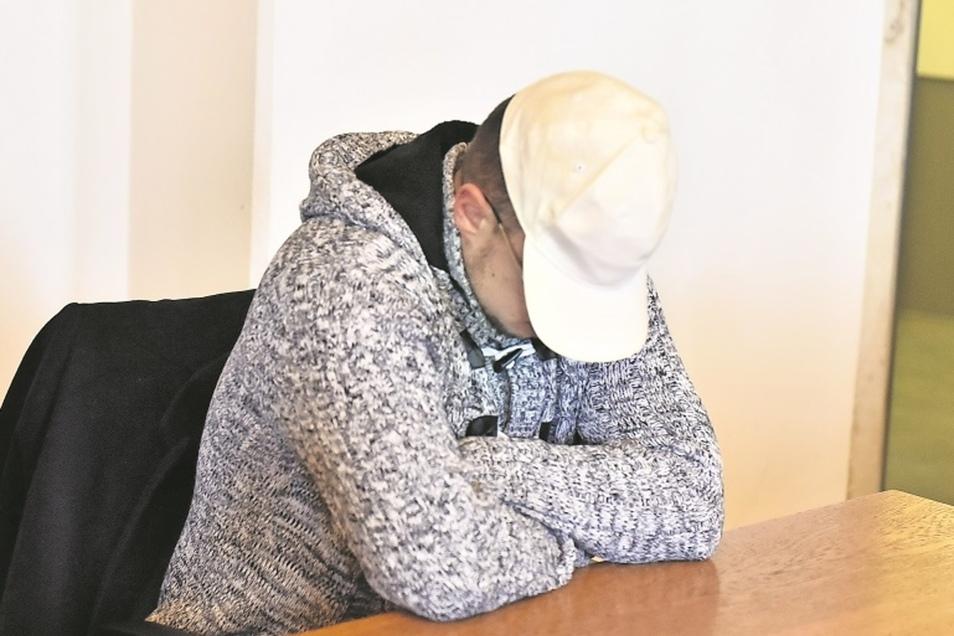 Ihm drohen mehr als zwei Jahre Haft. Am Mittwoch stand Martin A. vor dem Amtsgericht in Dippoldiswalde.